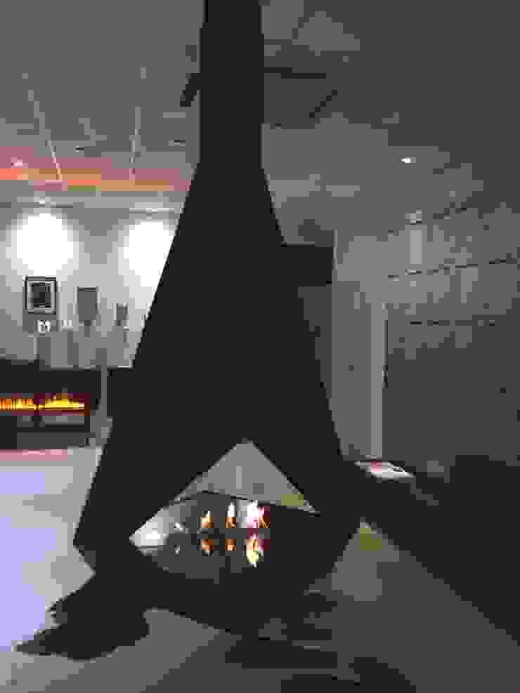 Luxushängekamin mit elektronischem Ethanolbrenner Ausgefallene Wohnzimmer von RF Design GmbH Ausgefallen
