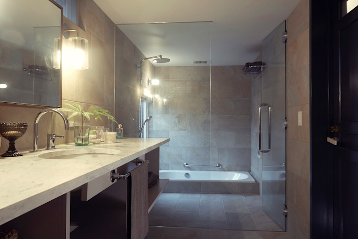 Mimasis Design/ミメイシス デザイン Rustic style bathroom Tiles White