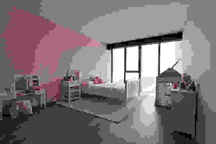 Modern Kid's Room by ARCO Arquitectura Contemporánea Modern