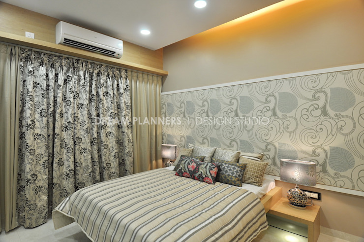 Bed Room: modern  by Dreamplanners,Modern Textile Amber/Gold