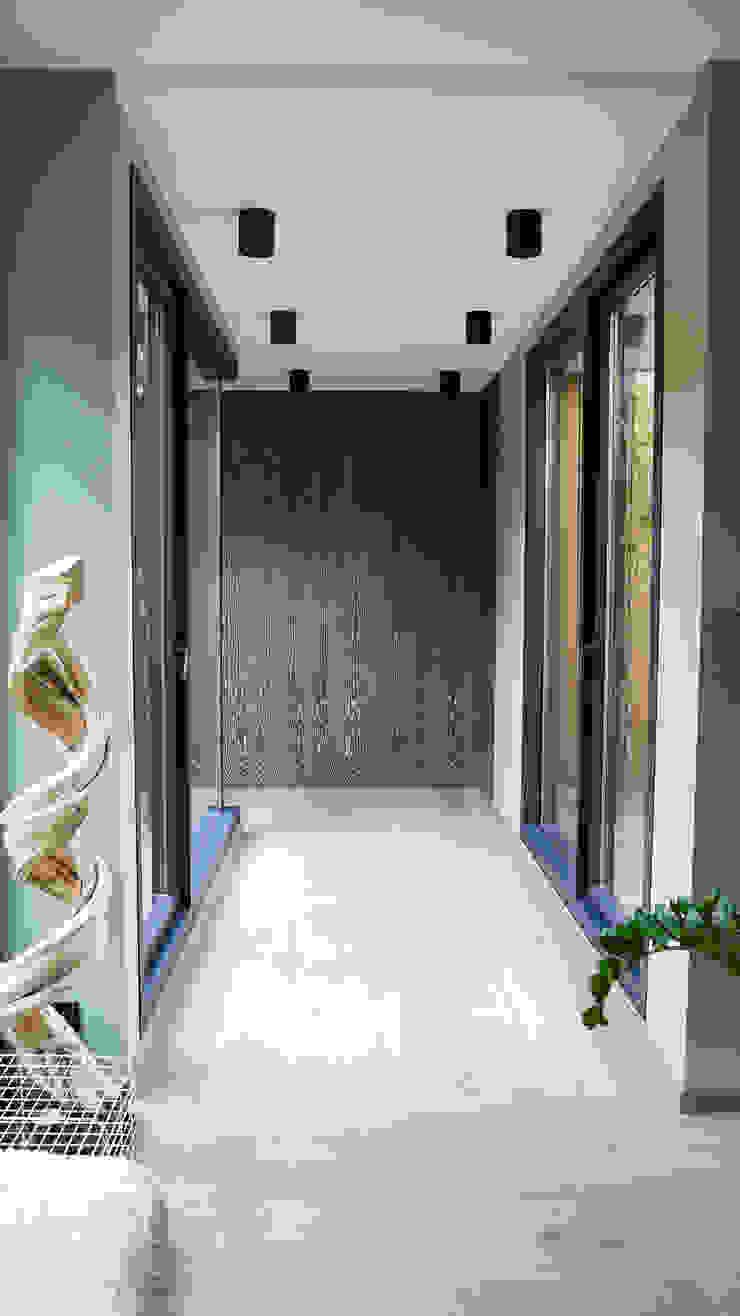 RUSTICASA Pasillos, vestíbulos y escaleras modernos Madera Acabado en madera