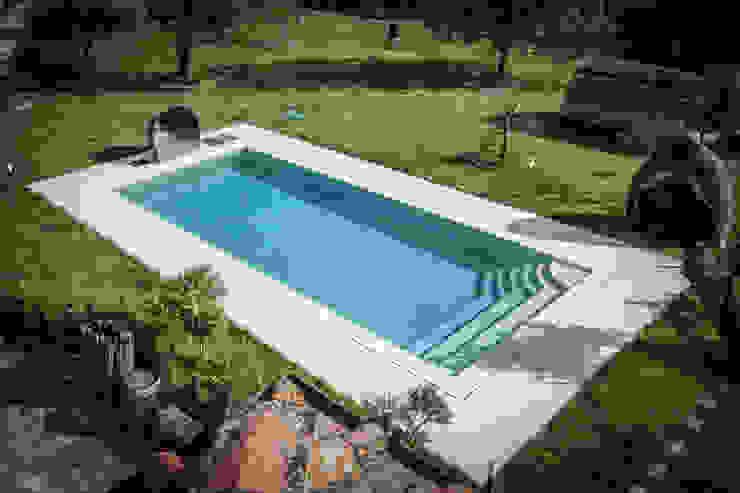 la piscina architetto CLAUDIA DEI -Studio Tecnico Progettisti Associati Giardino classico