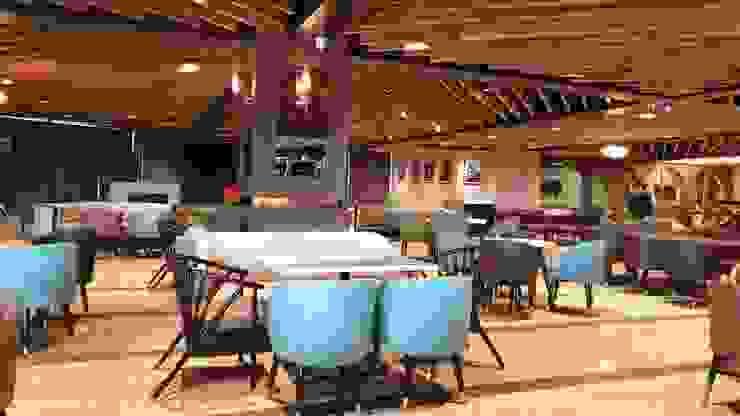 Restaurant area , Pillar treatment Modern bars & clubs by HC Designs Modern Wood Wood effect