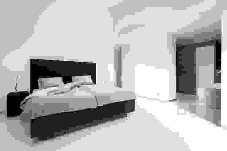 de estilo industrial por De Suite, Industrial Textil Ámbar/Dorado