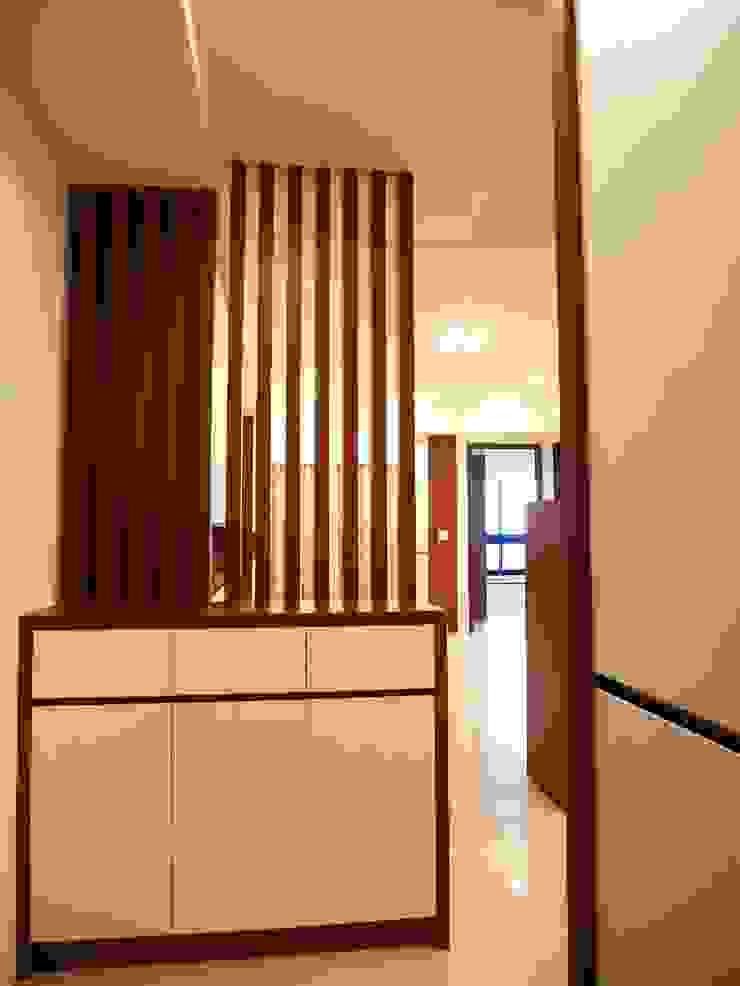 團聚-台南東區-新成屋 斯堪的納維亞風格的走廊,走廊和樓梯 根據 喜家成室內裝修設計有限公司(原:高筌室內設計) 北歐風