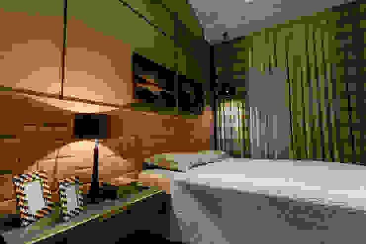 Ausgefallene Schlafzimmer von Élcio Bianchini Projetos Ausgefallen