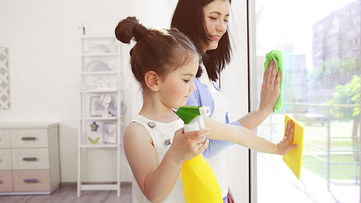 Casa limpa... Vidas mais felizes! SweetYellow Salas de estar ecléticas