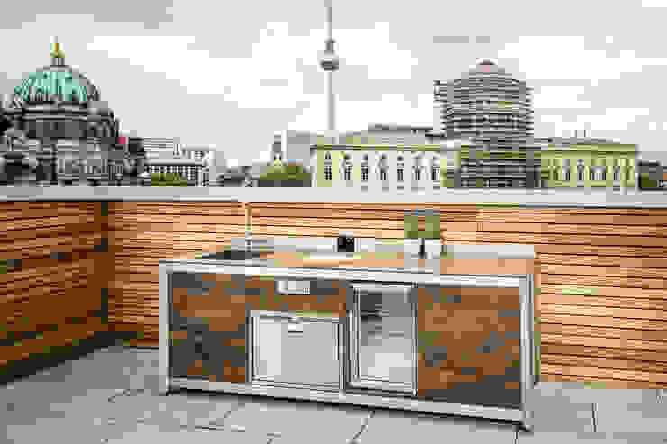 Clooney Rooftop Kitchen -Berlin KES OUTDOOR LIVING (PTY)LTD Kitchen