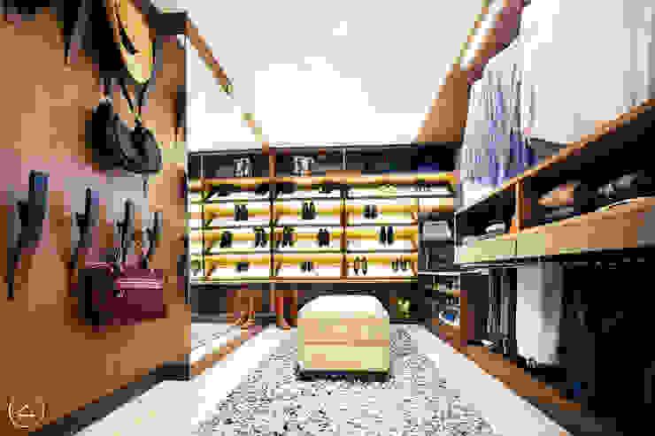 Walking Closet Vestidores de estilo moderno de Modismo Moderno
