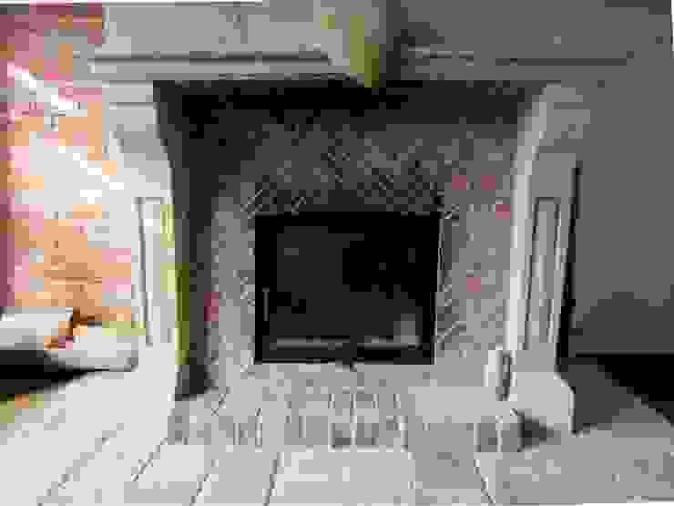 Nahaufnahme des Kamins im fanzösischen Stil Wohnzimmer im Landhausstil von Antik-Stein Landhaus Ziegel