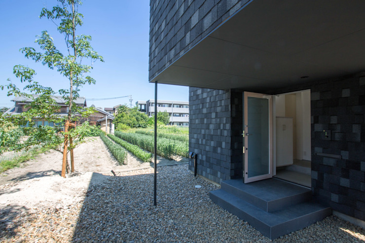 Modern style gardens by 1-1 Architects 一級建築士事務所 Modern