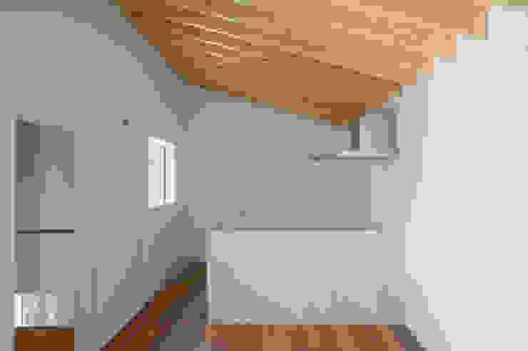 Cozinhas modernas por 1-1 Architects 一級建築士事務所 Moderno