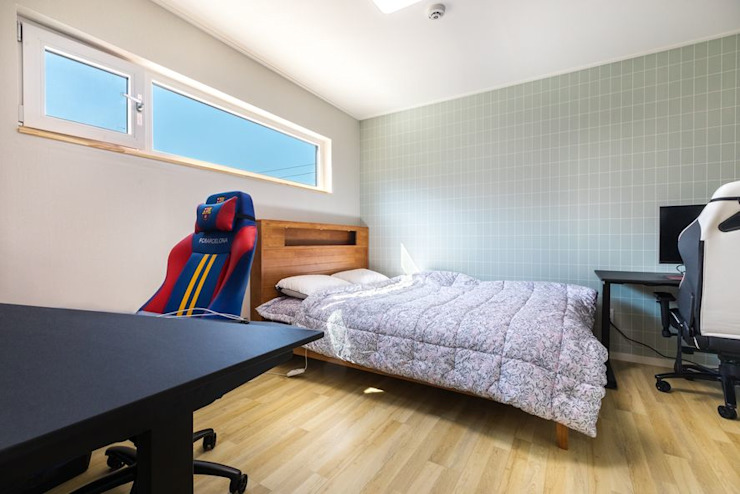 따뜻한 목조주택에서 되찾은 온전한 일상 모던스타일 침실 by 한글주택(주) 모던