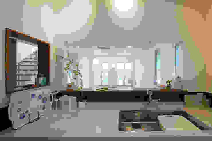 적고벽돌을 이용한 마감이 아름다운 서종면 정배리의 목조주택-주방 by 위드하임 모던