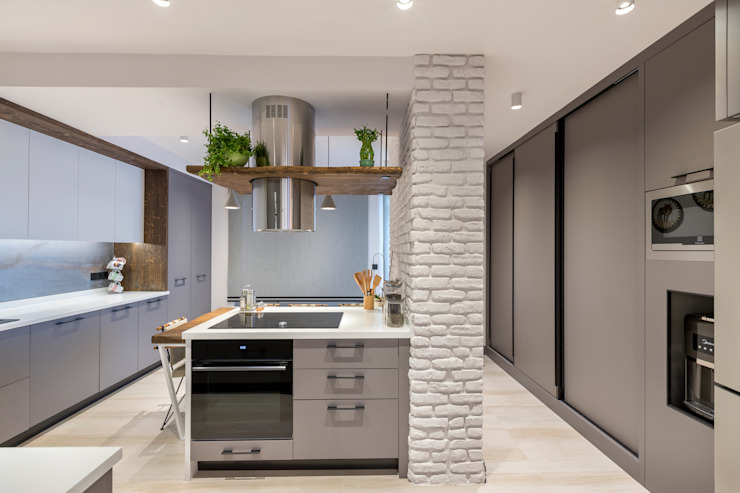 Eclectic style kitchen by Mimoza Mimarlık Eclectic