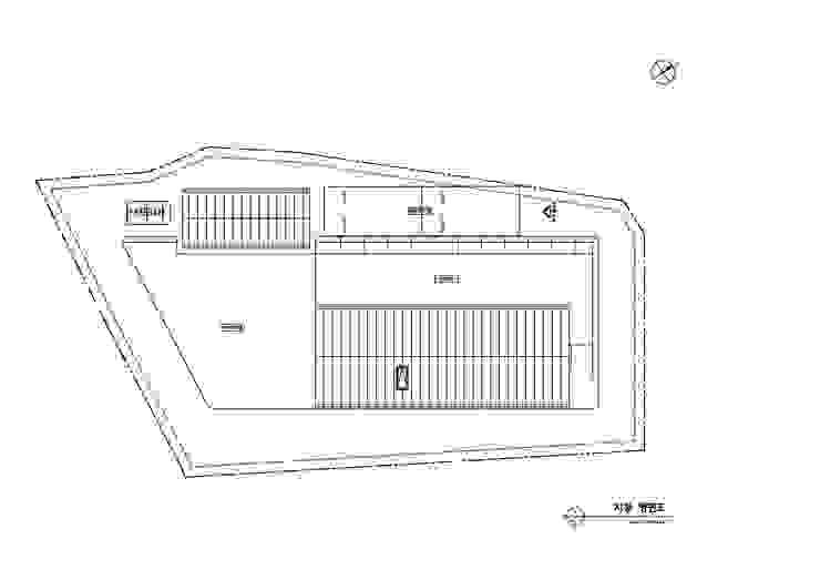 외부 마감과 내부 마감을 화이트톤으로 통일한 백옥같은 서종면 정배리 양평목조주택-지붕평면도: 위드하임의 현대 ,모던