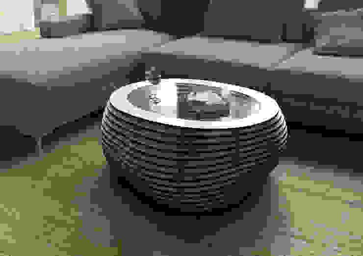 """Couchtisch """"Formitable"""" Black & White: modern  von form.bar,Modern Holzwerkstoff Transparent"""