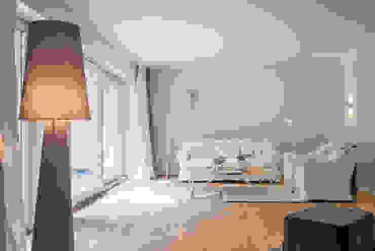 Ruang Keluarga Modern Oleh Münchner home staging Agentur GESCHKA Modern