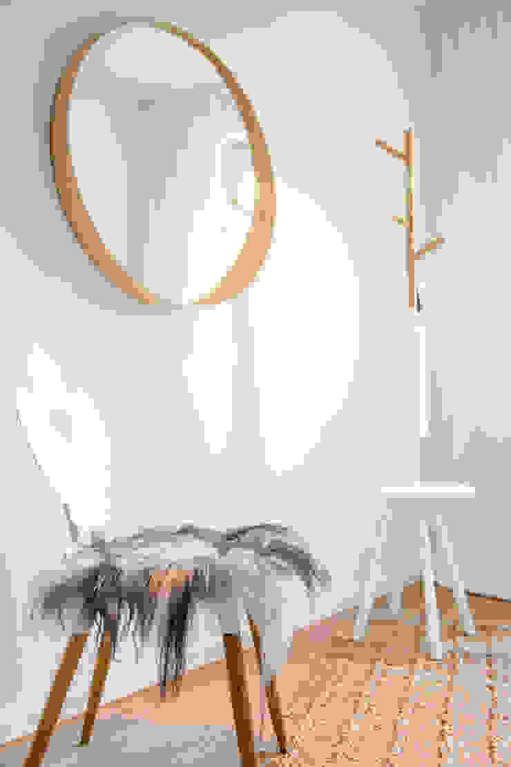 Koridor & Tangga Modern Oleh Münchner home staging Agentur GESCHKA Modern