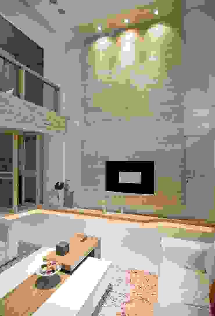 大器、延續 现代客厅設計點子、靈感 & 圖片 根據 禾佾空間設計 現代風