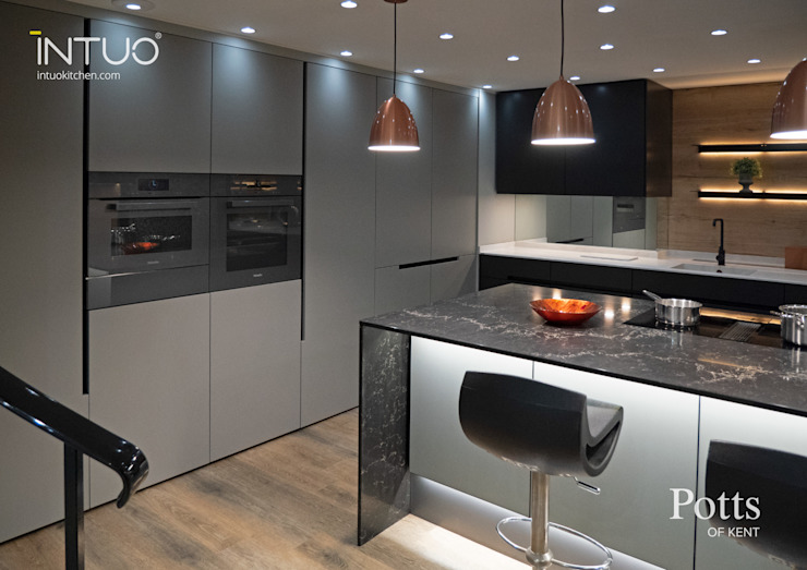 A lovely Intuo glass kitchen Intuo Modern kitchen