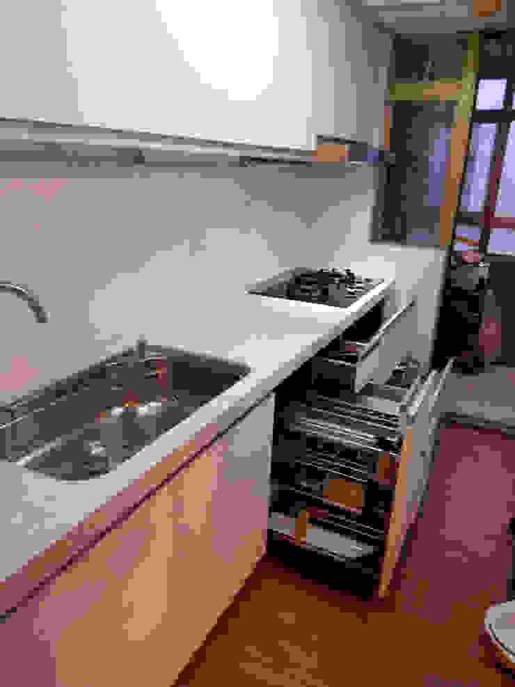 櫃內五金(抽屜分隔組+調味組): 現代  by 微.櫥設計/We.Design Kitchen, 現代風