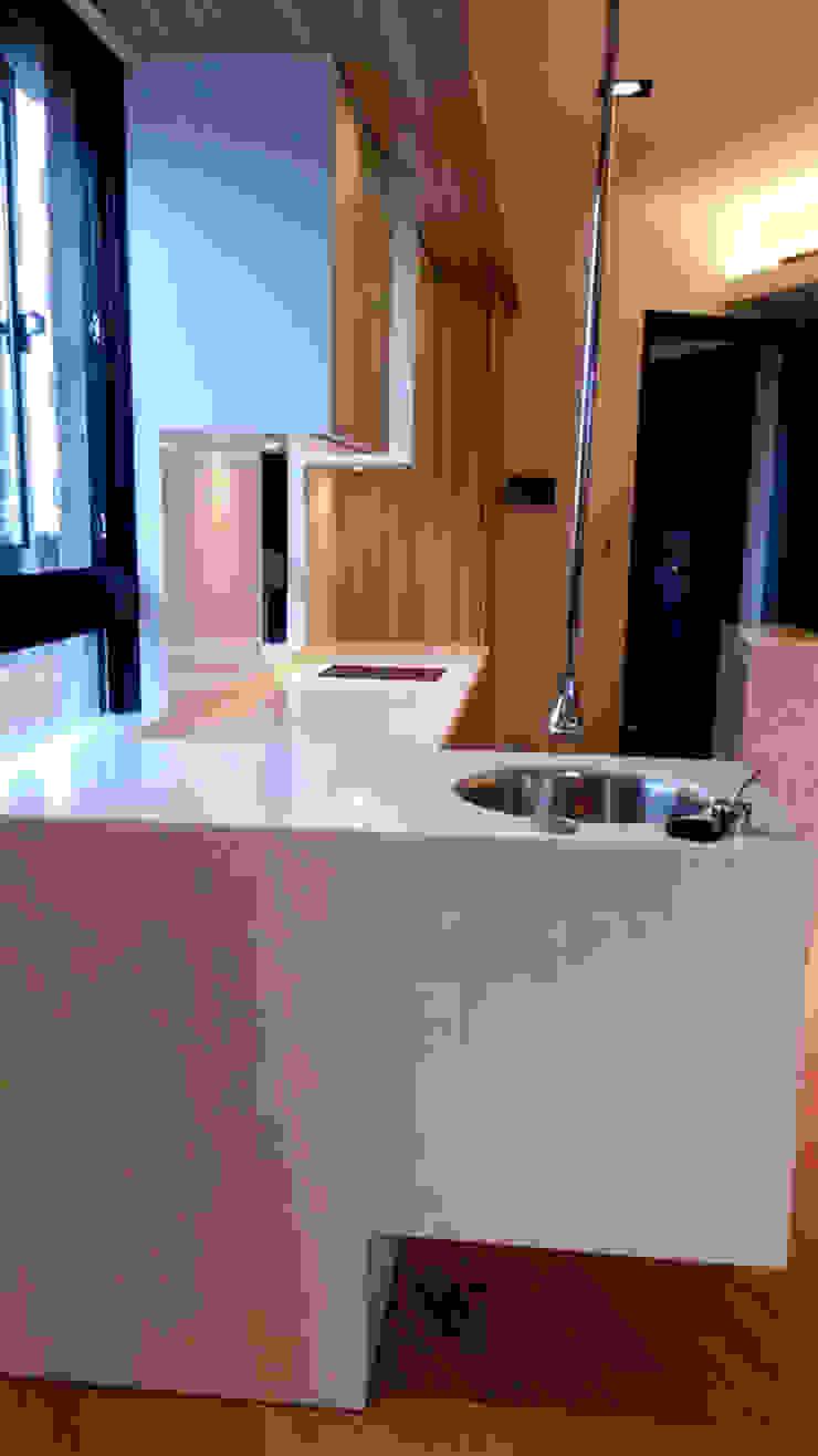 半島 現代廚房設計點子、靈感&圖片 根據 微.櫥設計/We.Design Kitchen 現代風