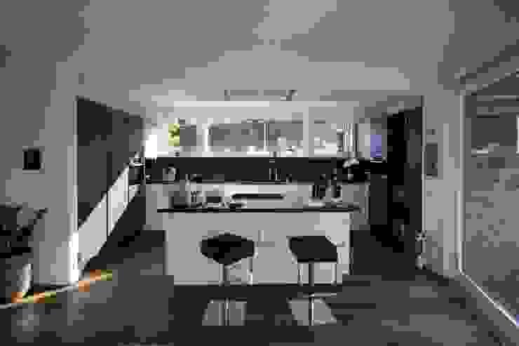 Küche: modern  von Avantecture GmbH,Modern