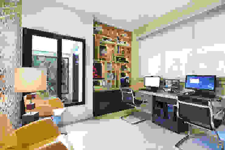 Home Office Escritórios modernos por Marcela Rocca Arquitetura & Interiores Moderno