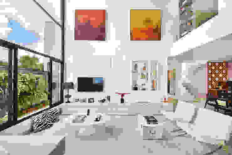 Casa Condominio Sunset Village Sorocaba Salas de estar modernas por Marcela Rocca Arquitetura & Interiores Moderno
