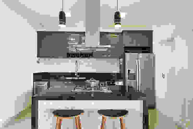 Cozinha Cozinhas modernas por Marcela Rocca Arquitetura & Interiores Moderno