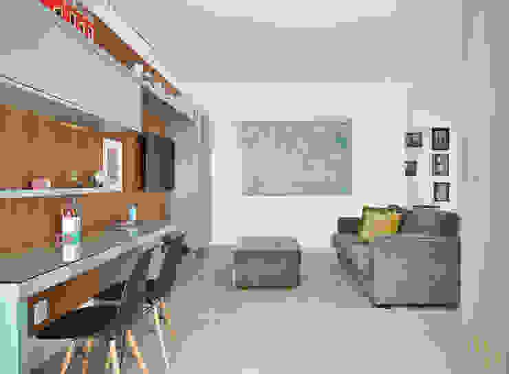 Sala intima Salas de estar modernas por Marcela Rocca Arquitetura & Interiores Moderno