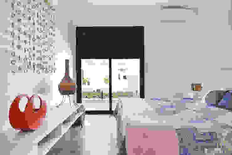 Suite Hospede Quartos modernos por Marcela Rocca Arquitetura & Interiores Moderno