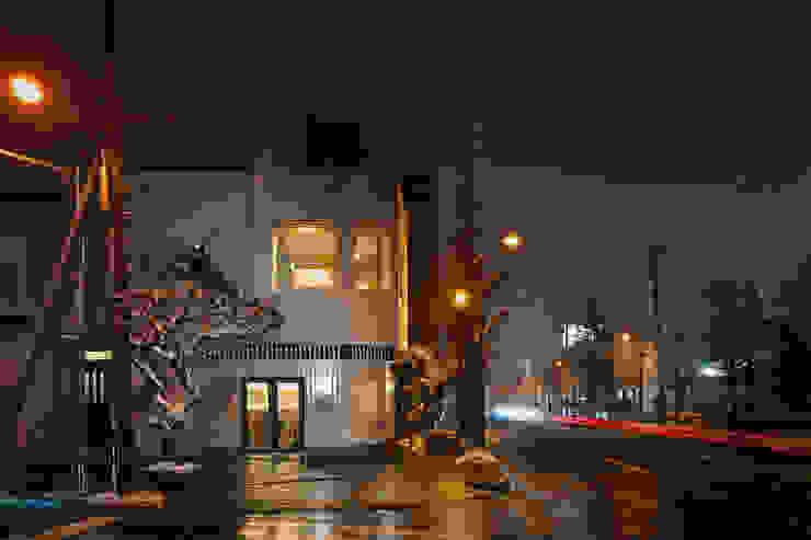 Casas estilo moderno: ideas, arquitectura e imágenes de 富谷洋介建築設計 Moderno