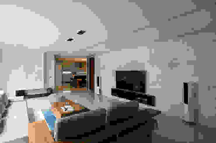 寧靜之光 根據 家和空間設計 簡約風 大理石