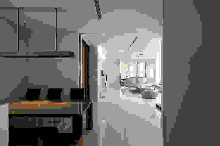 寧靜之光 根據 家和空間設計 簡約風 磁磚