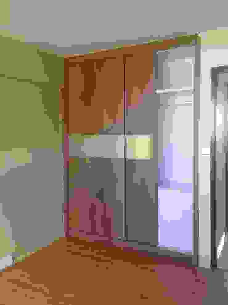 Renovation <q>Like a Condo</q> 69 Builder Pte Ltd Small bedroom