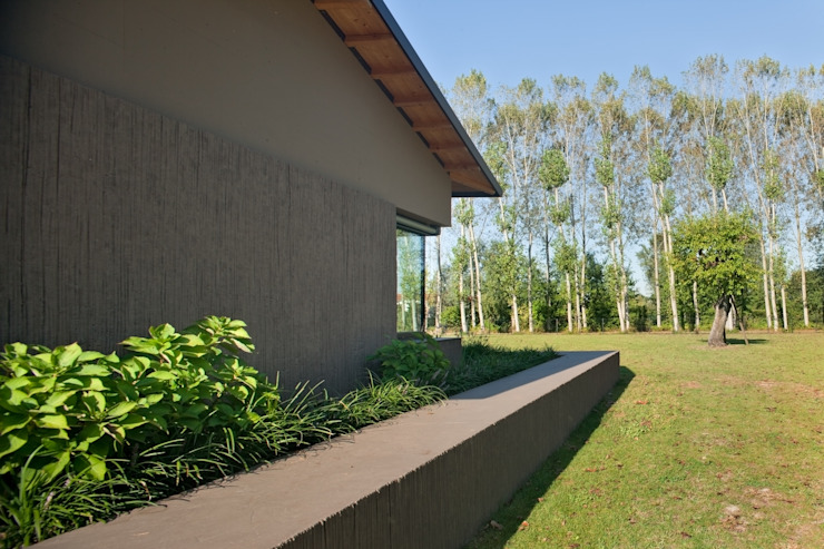 MIDE architetti Country style corridor, hallway & stairs