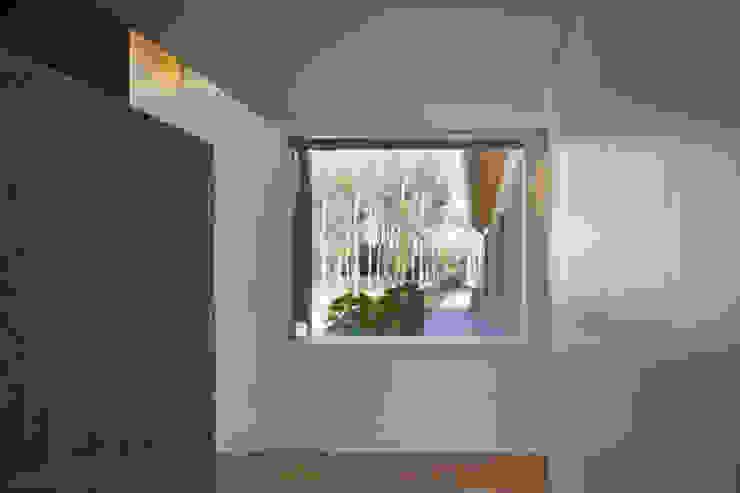 110_Abitazione in campagna Balcone, Veranda & Terrazza in stile rurale di MIDE architetti Rurale