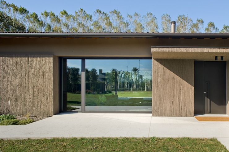 110_Abitazione in campagna di MIDE architetti Rurale