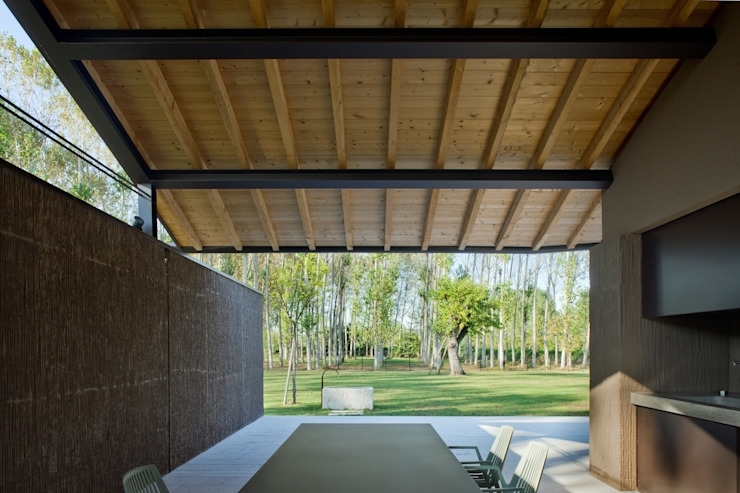 MIDE architetti Country style walls & floors
