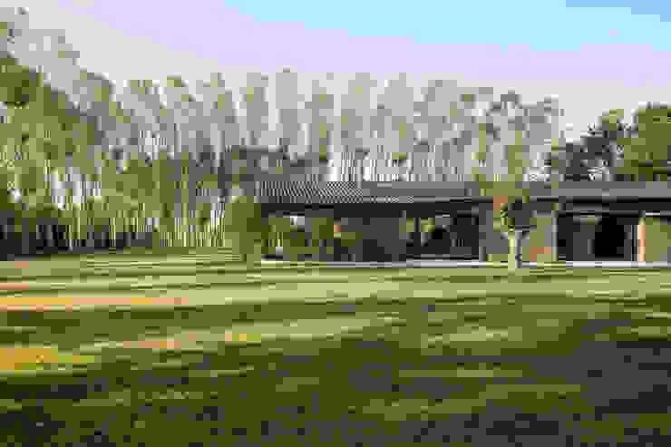 110_Abitazione in campagna Soggiorno rurale di MIDE architetti Rurale