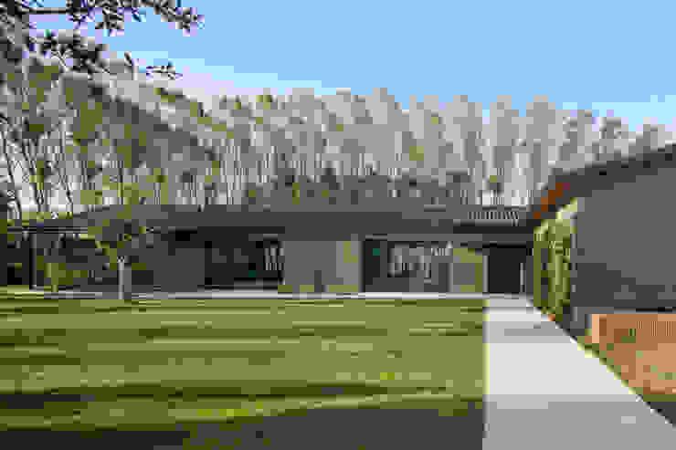 110_Abitazione in campagna Pareti & Pavimenti rurali di MIDE architetti Rurale
