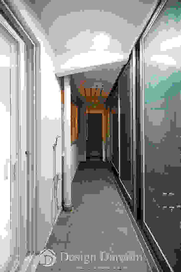 면목동 두원APT 거실 발코니 모던스타일 발코니, 베란다 & 테라스 by Design Daroom 디자인다룸 모던