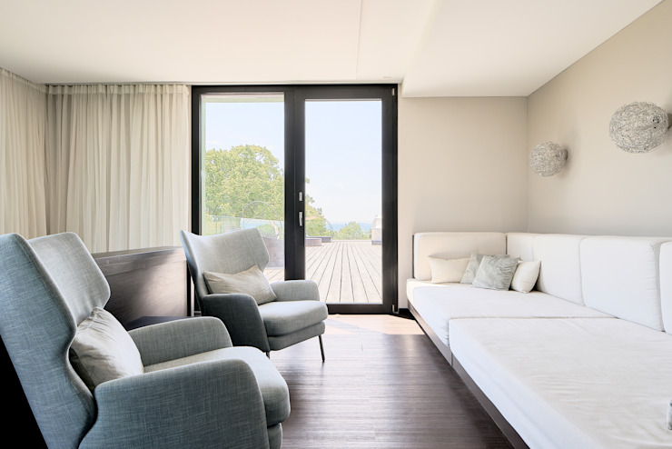 Lounge mit Blick auf Dachterrasse Steffen Wurster Freier Architekt Moderne Hotels Beige