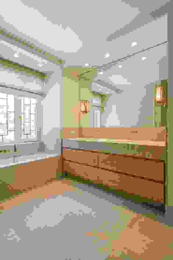 Modern bathroom by ÈMCÉ interior architecture Modern Marble