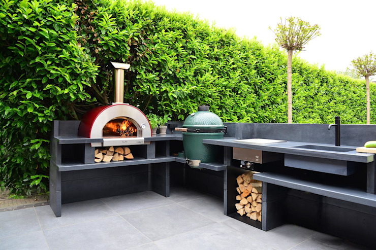 ALFA 5 MINUTI oven with the fire going Alfa Forni Built-in kitchens