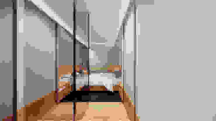 Suíte - Closet Saulo Magno Arquiteto Closets Madeira Cinza