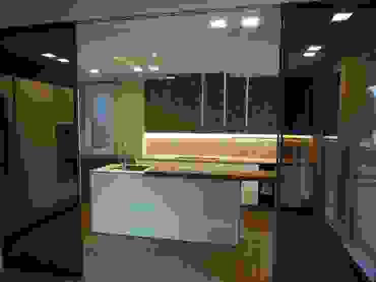 Vista esterna aperta CLARE studio di architettura Cucina attrezzata