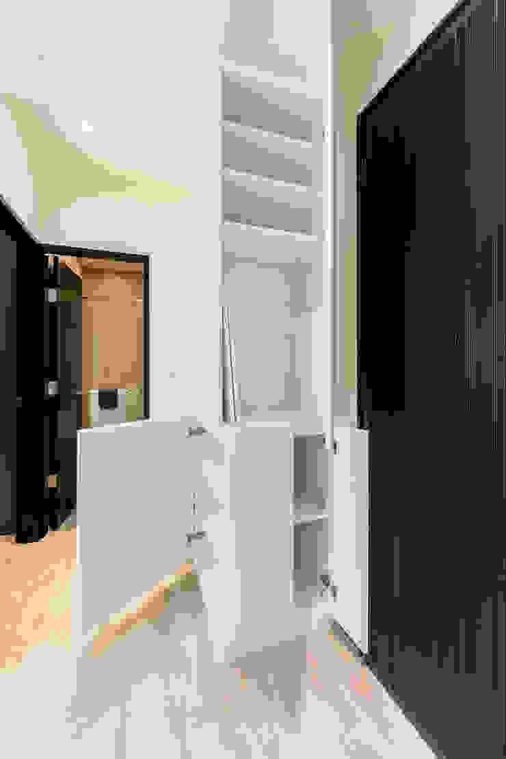 沙瑪室內裝修有限公司 Asian style corridor, hallway & stairs
